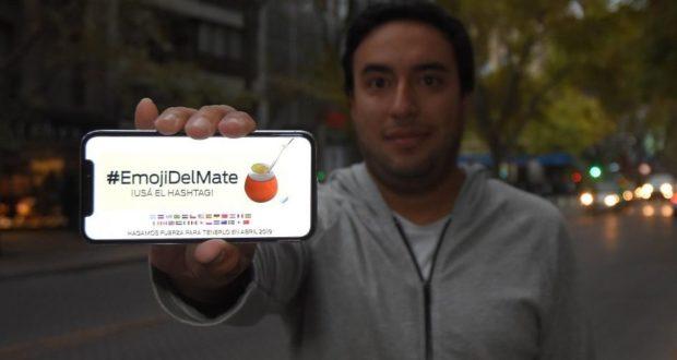 Emiliano Panelli, diseñador mendocino de 29 años y co-creador del emoji del mate. Marcelo Rolland / Los Andes